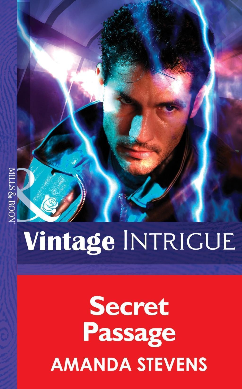 Secret Passage (Mills & Boon Intrigue) (Quantum Men, Book 3)